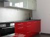 virtuves-baldai-su-blizgaus-mdf-raudonos-spalvos-1