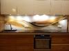 stiklas-virtuves-baldams-vietoje-plyteliu-2